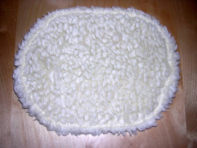 Fluffy Snuggle Mats, Cage Decorating Kits & Hay Mitts